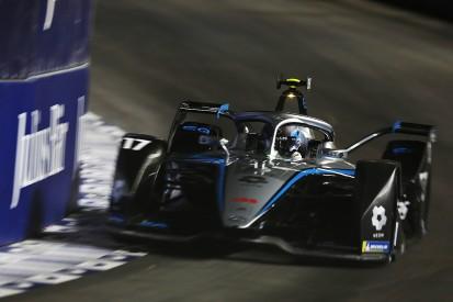 Diriyah FE: De Vries heads Mercedes 1-2 in stop-start second practice