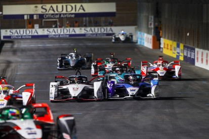 "Dennis slams Wehrlein for ""driving me into the wall"" in Diriyah Formula E race"