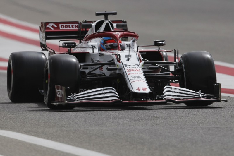 Kimi Räikkönen Verbesserter Ferrari Motor Hilfreich Für Alfa Romeo