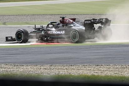 Trotz Mercedes-Problemen: Hamilton sieht keinen Grund zur Panik