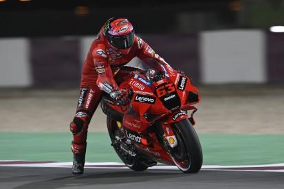 MotoGP Katar (1): Francesco Bagnaia auf der Pole, Valentino Rossi starker Vierter!