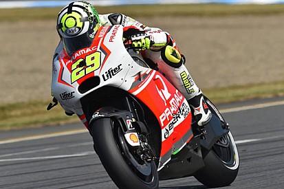Pochi giri con la moto preferita per Andrea Iannone