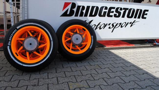 Bridgestone difende la gomma anteriore asimmetrica