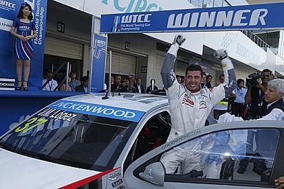 Suzuka, Gara 1: López da record, è Campione!
