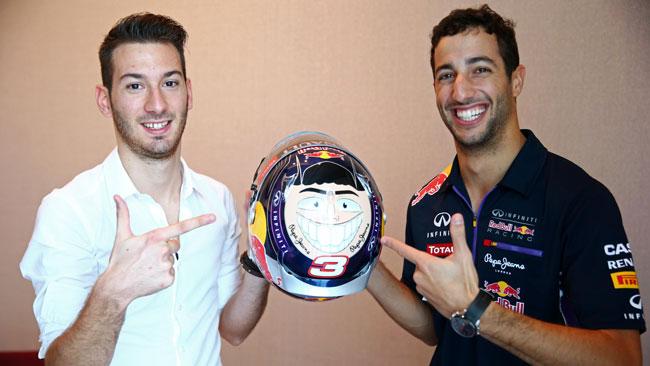 Red Bull Helmet Art: il vincitore incontra Ricciardo
