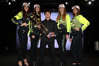 Premiato il campione Kimiya Sato al Motor Show