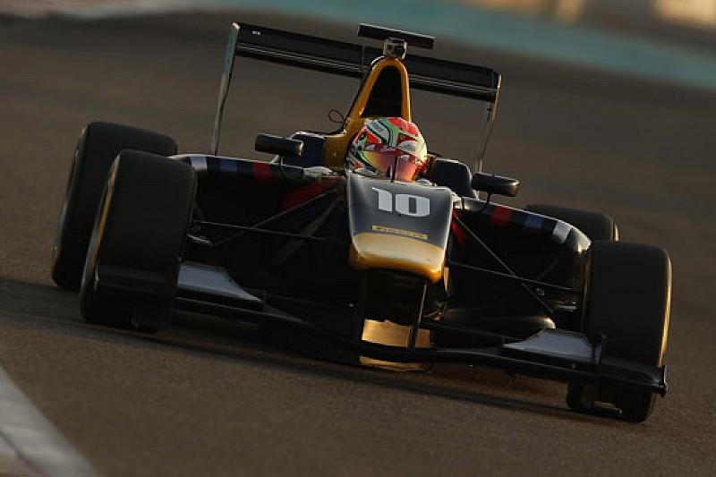 Antonio Fuoco in GP3 con la Carlin nel 2015