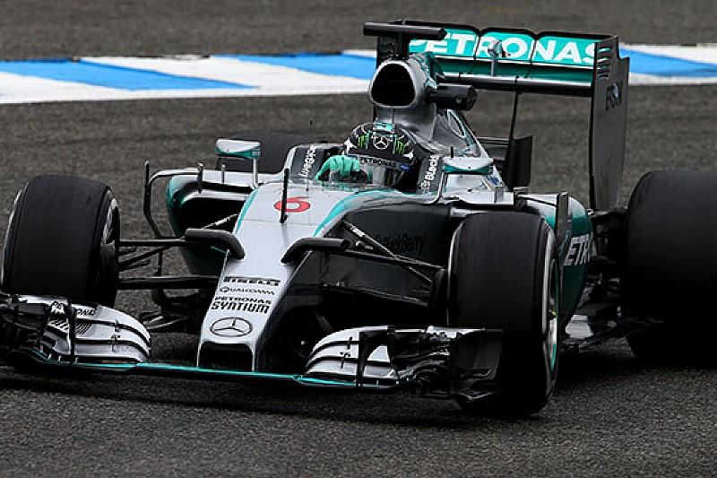 La Mercedes di Rosberg è già tornata in pista