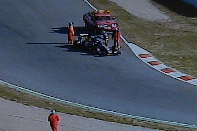 Barcellona: la Lotus riparte, ma dura solo... 5 curve!