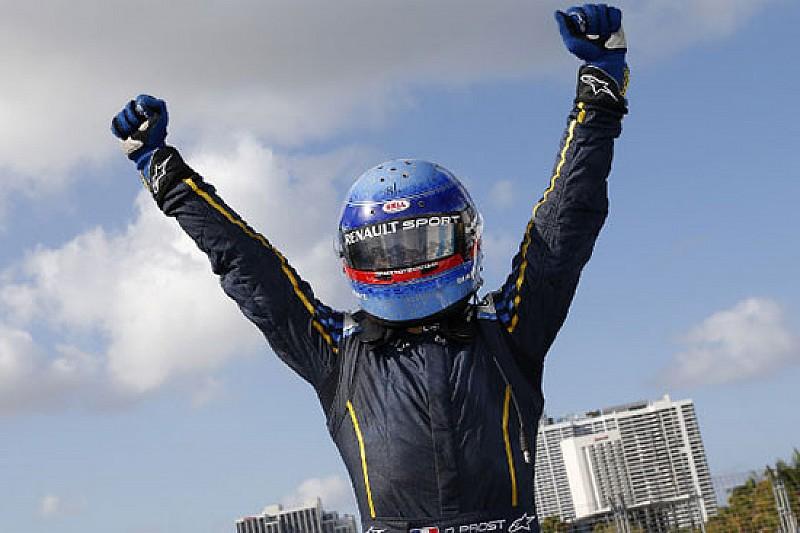 Nicolas Prost trionfa a Miami all'ultimo respiro!