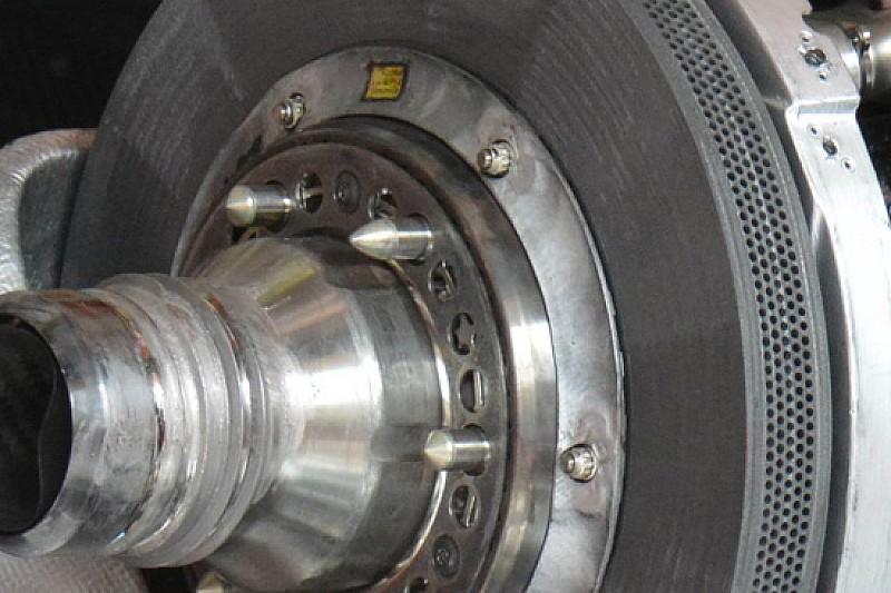 Ferrari: sono nuovi i dischi in carbonio della Brembo