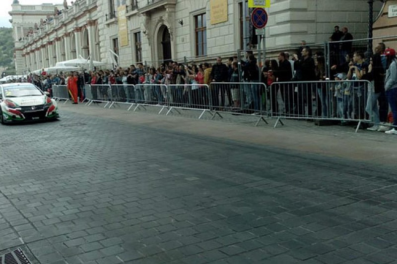 Budapest, Shakedown: Tarquini davanti a López