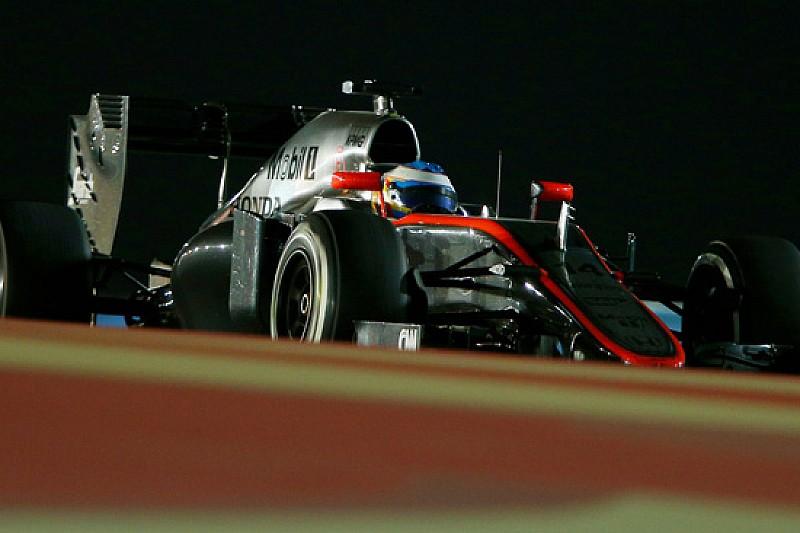 La McLaren cambia la livrea a Barcellona