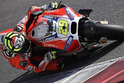 Spalla sinistra sublussata per Andrea Iannone