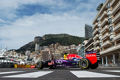 Miscommunication costs frustrated Ricciardo third place