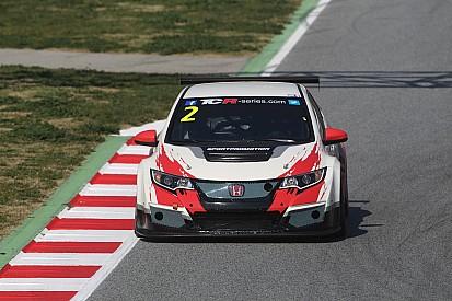 Морбиделли одержал победу в первой гонке