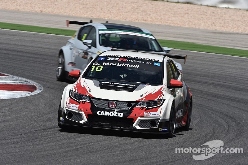 Morbidelli gana las dos carreras en Monza