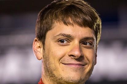 """Piloto da NASCAR corre """"meia-maratona"""" logo depois de terminar a prova mais longa da categoria"""