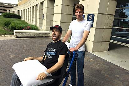 James Hinchcliffe recebe alta do hospital