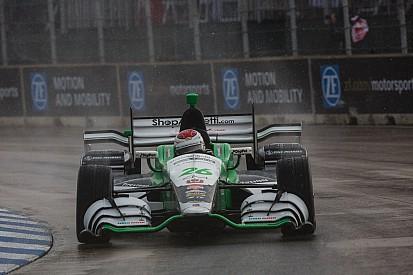 Муньос выиграл досрочно остановленную гонку