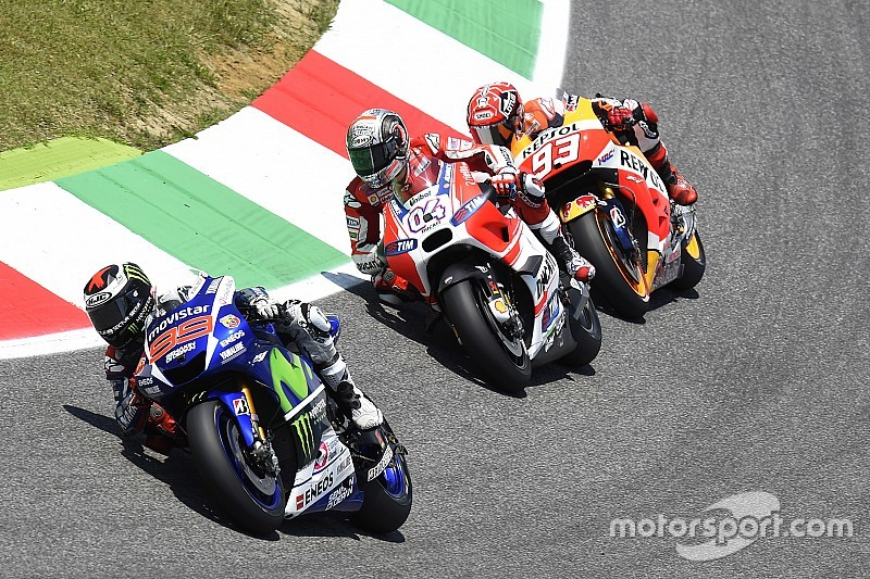 Los pilotos de MotoGP probaron los neumáticos Michelin en Mugello
