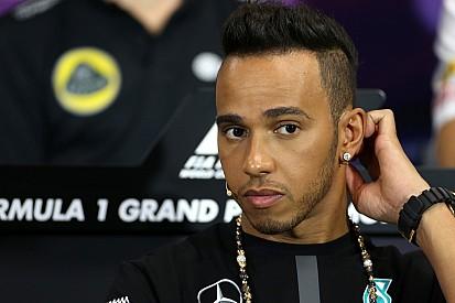 """Hamilton tem """"confiança total"""" na Mercedes"""