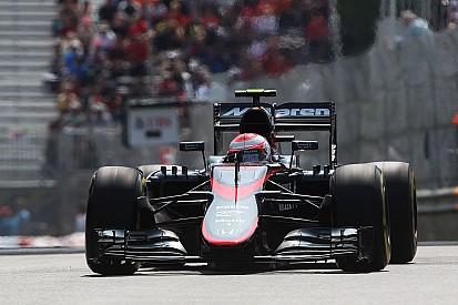 Depois de Alonso, McLaren também troca o motor de Button