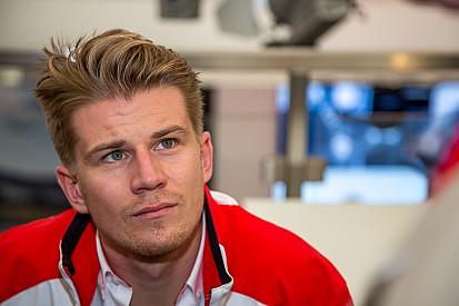 Hulkenberg não descarta mais corridas pela Porsche em 2015