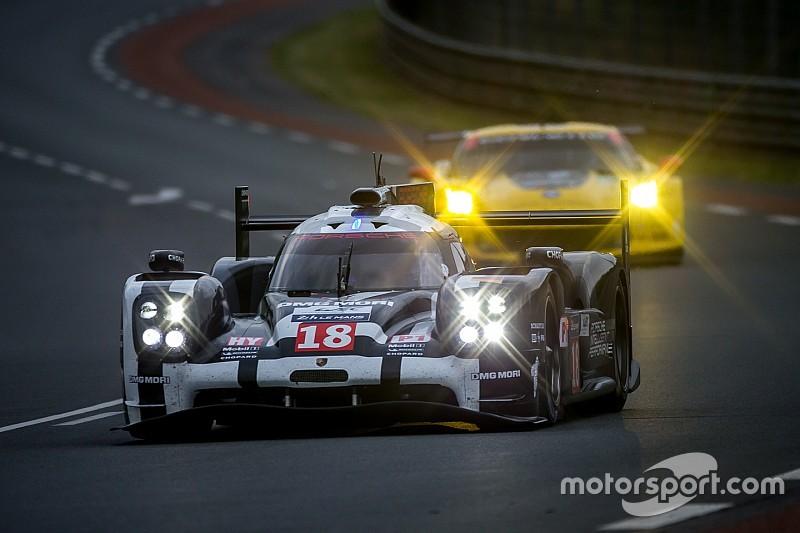 Три экипажа Porsche выиграли первую квалификацию