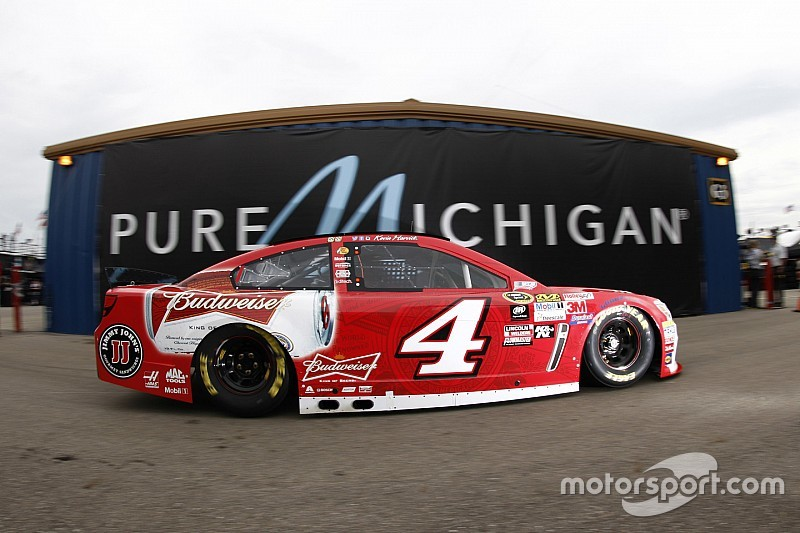 Kevin Harvick continues to show the way