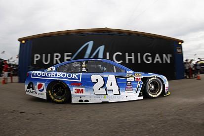 Jeff Gordon brings the heat in Happy Hour at Michigan