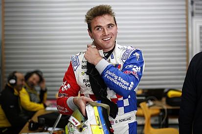 Hungary FR3.5: Championship leader Rowland on pole
