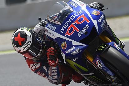 Catalan MotoGP: Lorenzo's fourth win in a row, Marquez falls