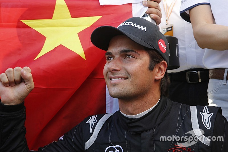 Nelson Piquet Jr signs multi-year Formula E deal