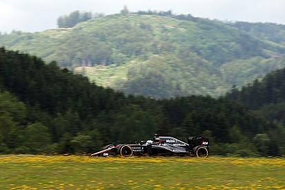 Confirmado: Alonso perde 20 posições no grid na Áustria