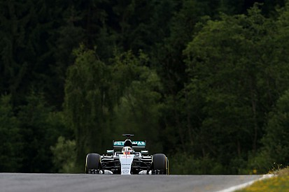 Mercedes 'not as confident' for race