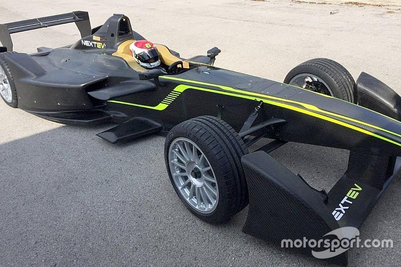 Exclusivo: Veja fotos do novo carro de Nelsinho Piquet para a próxima temporada da Fórmula E