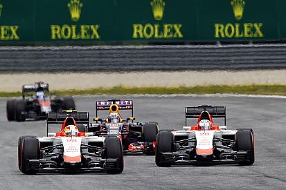 Equipes de F1 pensam em rever regras de bandeira azul