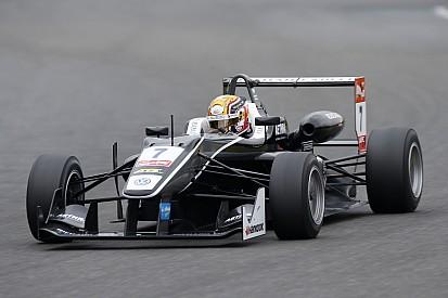 Леклер выиграл первую квалификацию в Германии