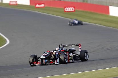 Элбон будет стартовать с поула в двух гонках