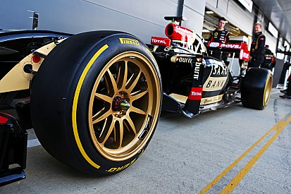 """Todt ne """"pense pas"""" que la F1 passera au pneu 18 pouces"""