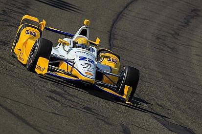 Simon Pagenaud en pole pour la 1re fois de la saison à Fontana