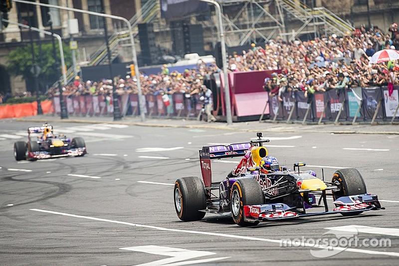 Red Bull провела шоу в Мехико