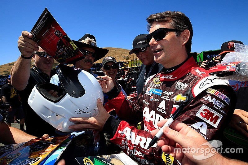 One last time: Jeff Gordon finishes 16th at Sonoma