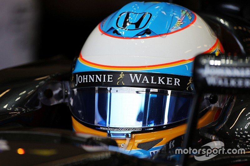 McLaren se queda atrás