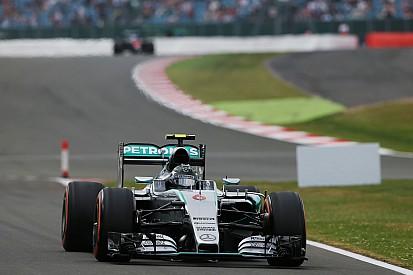 Derrotado, Rosberg reclama de pneu e diz que Hamilton foi melhor