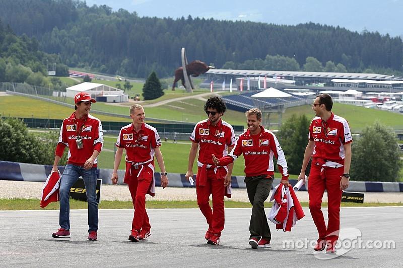 Esteban festeja junto a Vettel cumpleaños