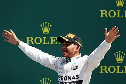 Com decisão inspirada, Hamilton vence em Silverstone na chuva