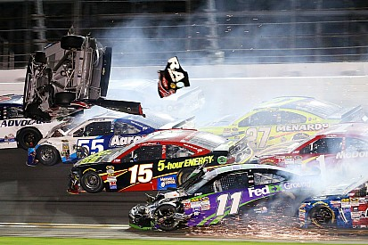 "Earnhardt ""on the verge of tears"" after seeing Dillon's crash"