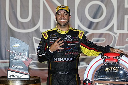 Crafton wins Kentucky, NASCAR ends race after truck damages catch fence